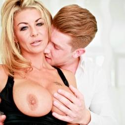 Tia Layne in 'Daring Sex' Intimacy (Thumbnail 4)