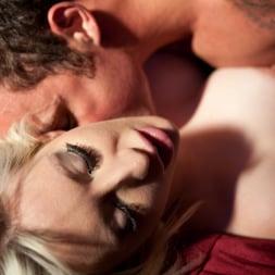 Valerie Fox in 'Daring Sex' Seduce (Thumbnail 11)